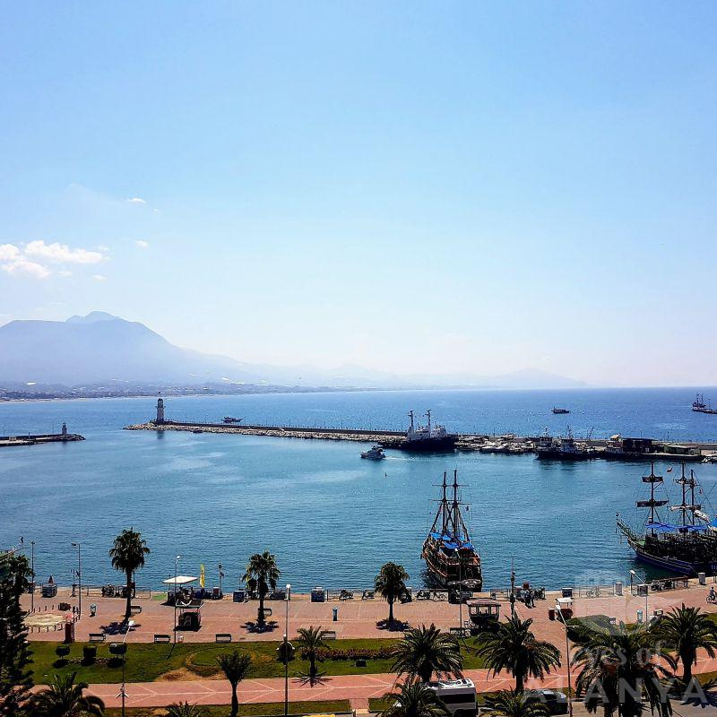 Alanya Harbour -Solovey, Lesya