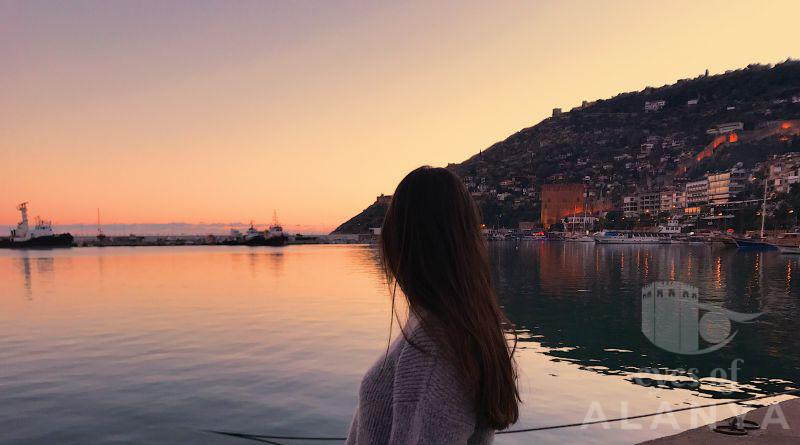 A girl who is looking with love to Alanya. -Çakır, Nihal